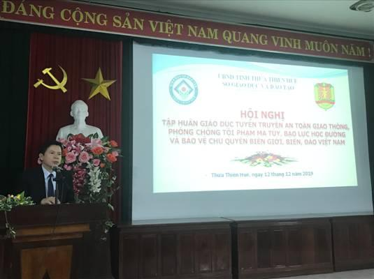 Training conference on propagating and educating about road safety, crime prevention, drug, school violence and the protection of Viet Nam sovereignty on the mainland, islands and sea.